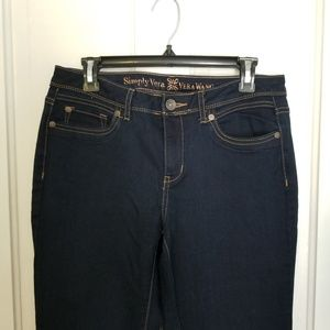 Vera Wang boot cut Jeans in midnight blue size 8